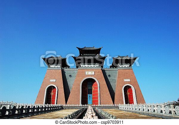 Čínská brána, tradiční čínská budova - csp9703911