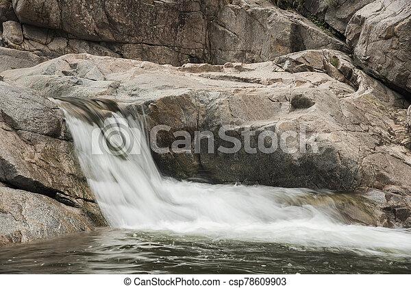 řeka, cordoba, argentina, krajina, malý, vodopád - csp78609903