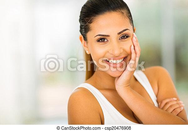 Šťastná mladá žena - csp20476908