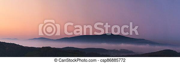 krajina, čech, -, mlhavý, povstání, republika, západ slunce, klet, hory, čistý, mlha, nebe, hora, mračno - csp86885772