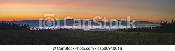 krajina, mlhavý, povstání, západ slunce, hory, čistý, mlha, nebe, mračno - csp86948616