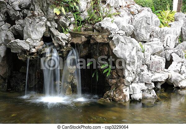malý, vodopád - csp3229064