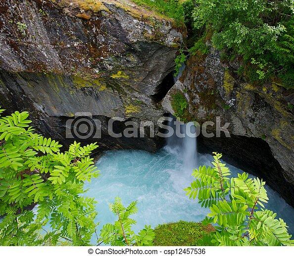 malý, vodopád - csp12457536