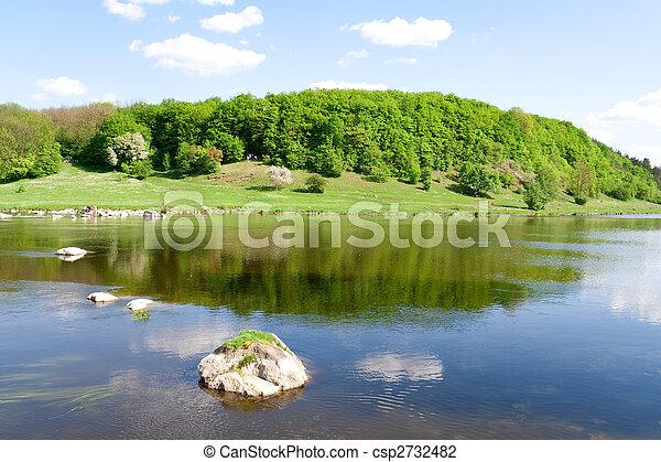 Příroda. Modrá řeka v létě - csp2732482