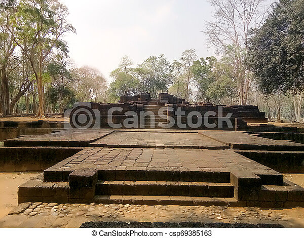 prasat, poloha, phimai, archeologický, thajsko, hin - csp69385163