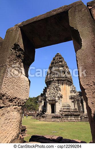 prasat, thajsko, phimai - csp12299284